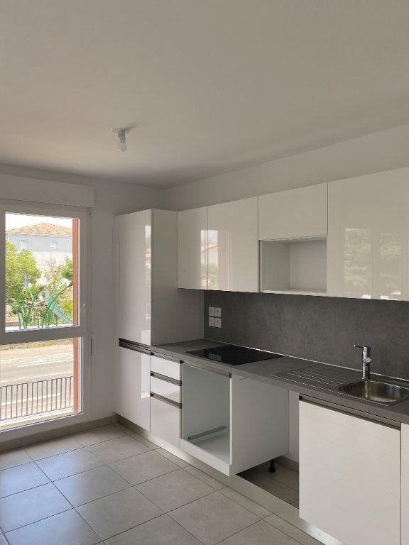 Appartement à louer 3 57.9m2 à Avignon vignette-6