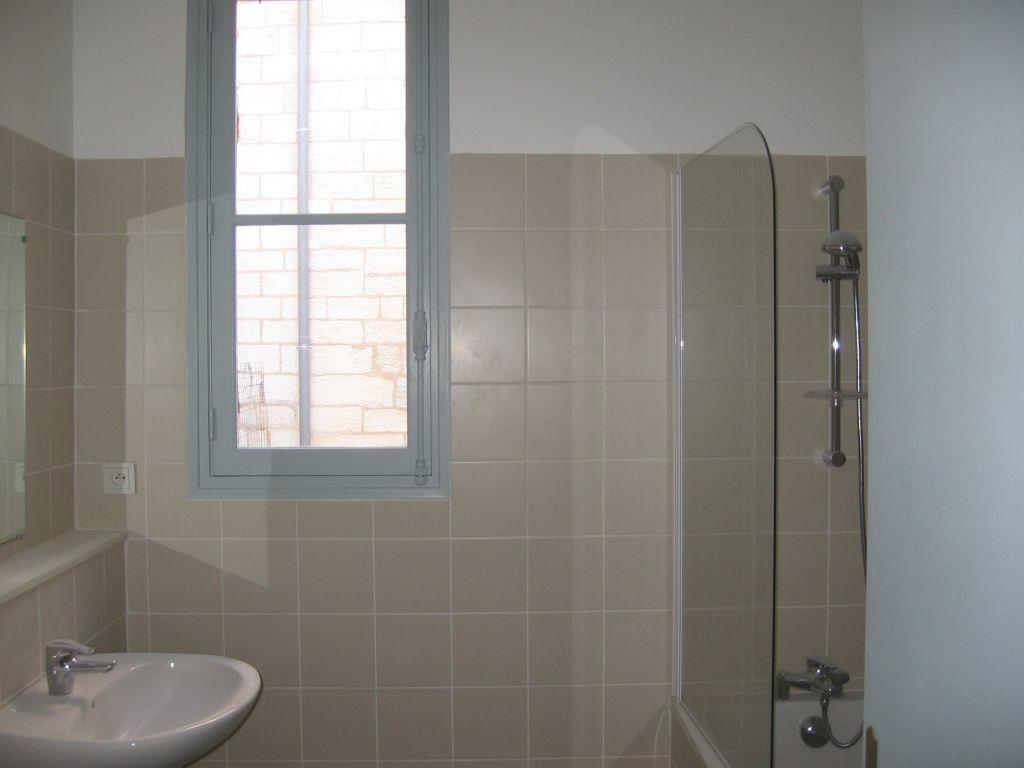 Appartement à louer 2 63.9m2 à Avignon vignette-6