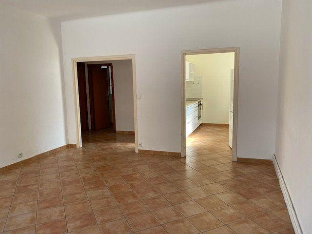 Appartement à louer 3 74m2 à Avignon vignette-3