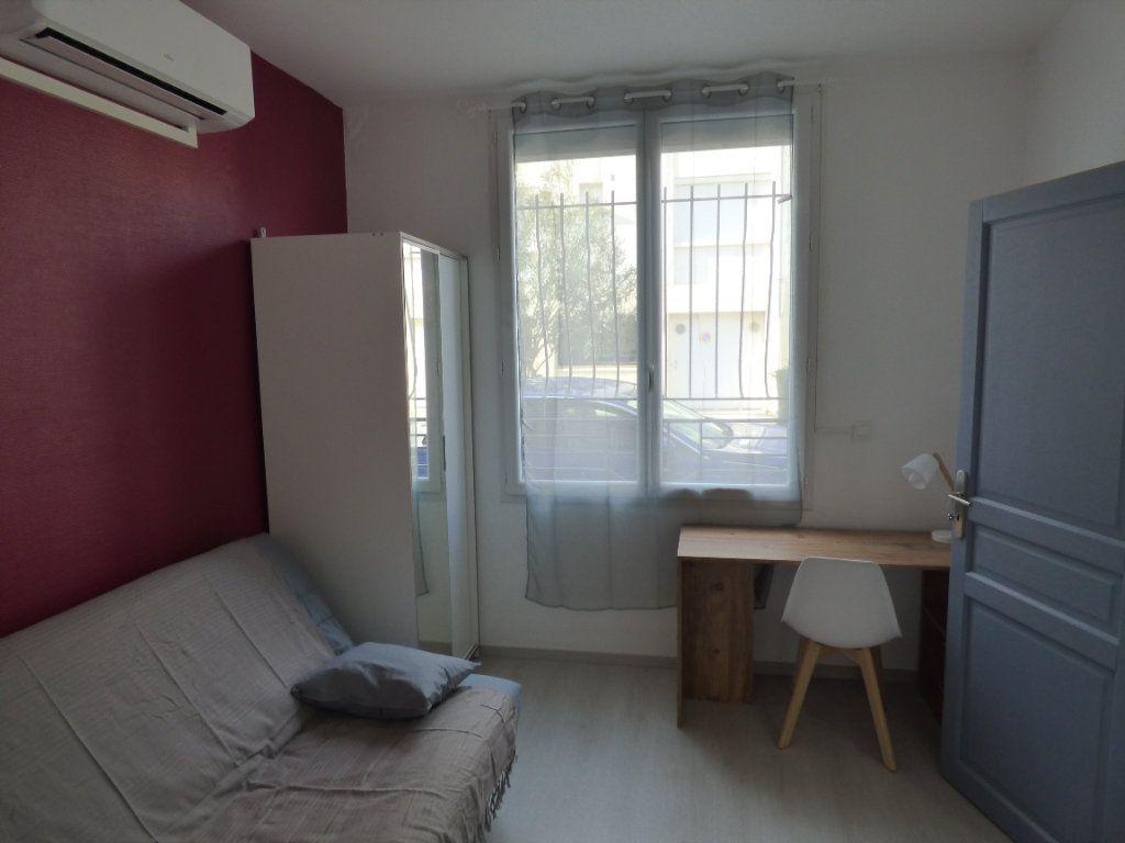 Appartement à louer 1 10m2 à Avignon vignette-1