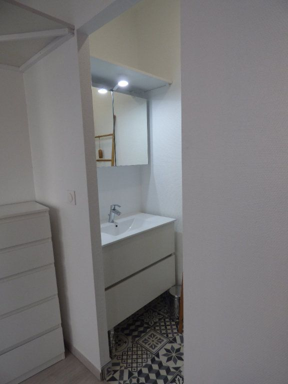 Appartement à louer 1 10m2 à Avignon vignette-5