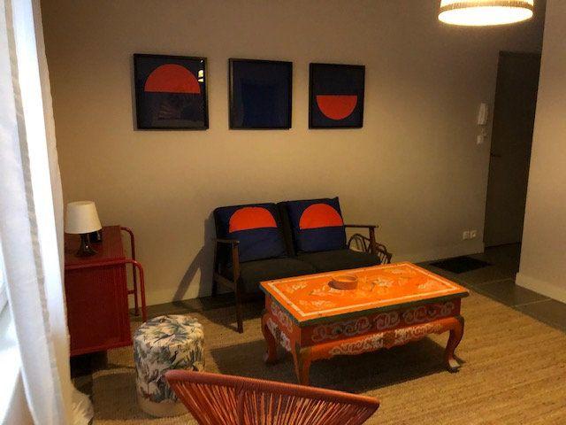 Appartement à louer 2 37.72m2 à Avignon vignette-1