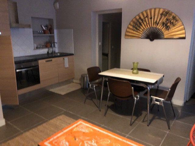 Appartement à louer 2 37.72m2 à Avignon vignette-2