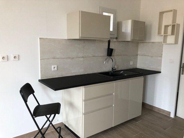 Appartement à louer 2 54.38m2 à Avignon vignette-3