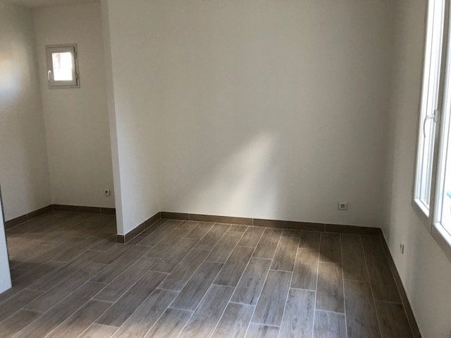 Appartement à louer 2 54.38m2 à Avignon vignette-4