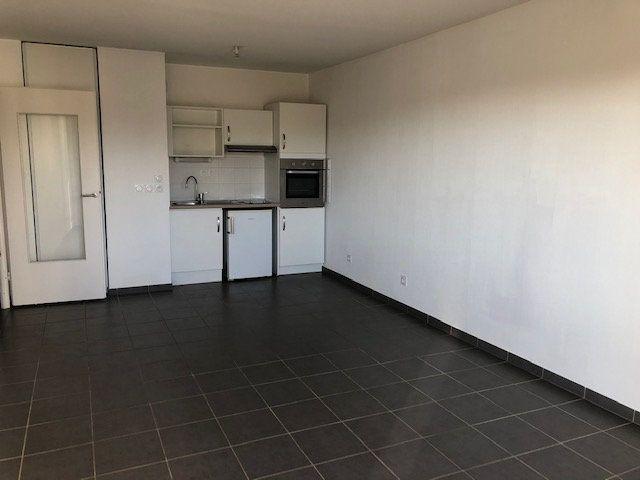 Appartement à louer 2 40.5m2 à Avignon vignette-2