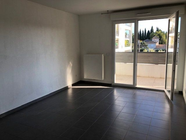 Appartement à louer 2 40.5m2 à Avignon vignette-3