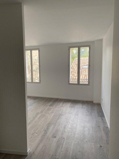 Appartement à louer 1 29.41m2 à Avignon vignette-7