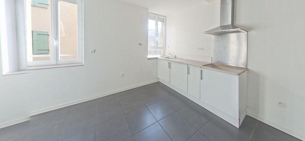 Appartement à louer 2 35m2 à Bages vignette-1