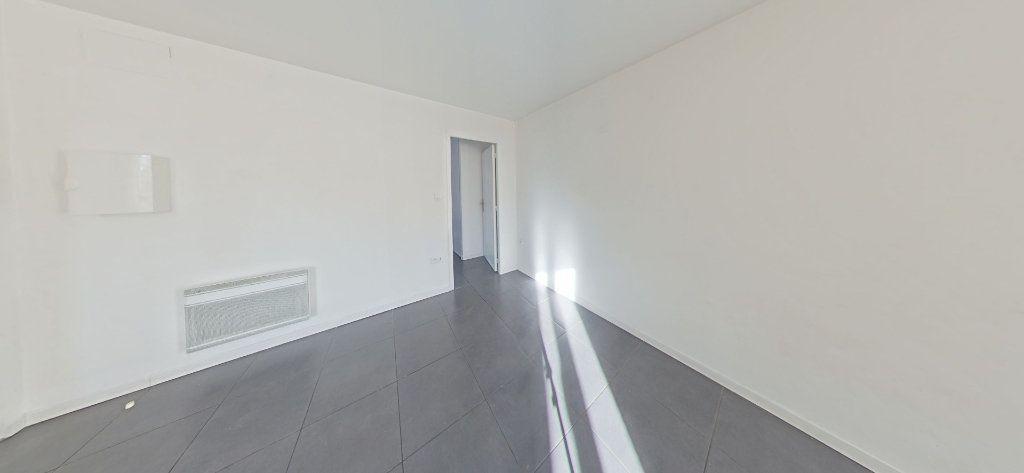 Appartement à louer 2 35m2 à Bages vignette-2