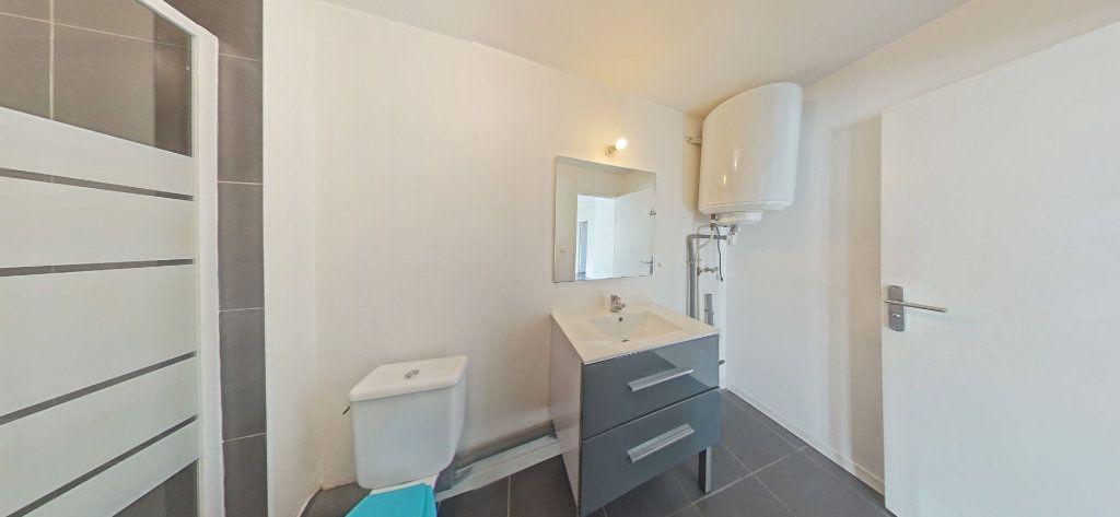 Appartement à louer 2 35m2 à Bages vignette-3