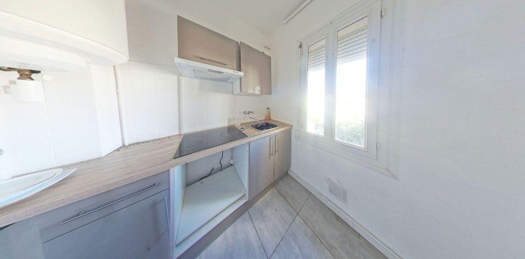 Appartement à louer 3 55m2 à Perpignan vignette-1