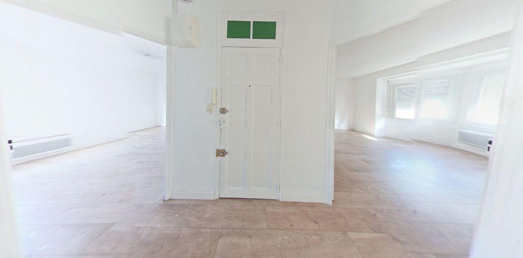 Appartement à louer 3 55m2 à Perpignan vignette-3