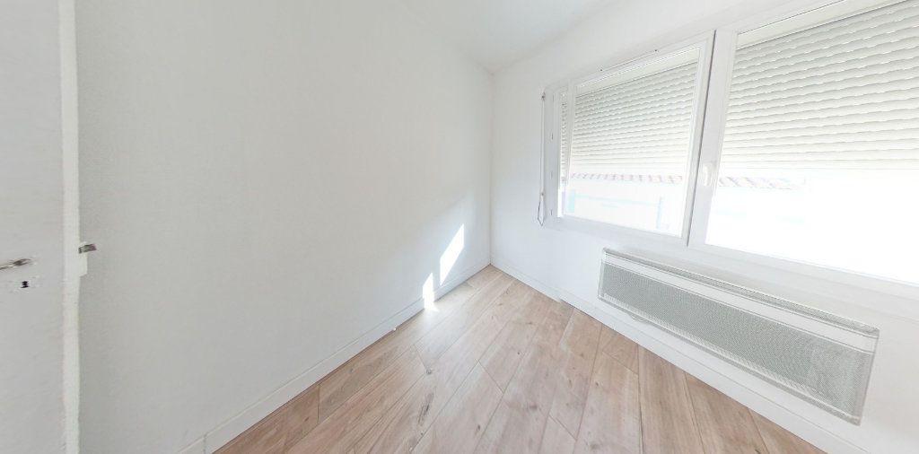 Appartement à louer 3 55m2 à Perpignan vignette-4