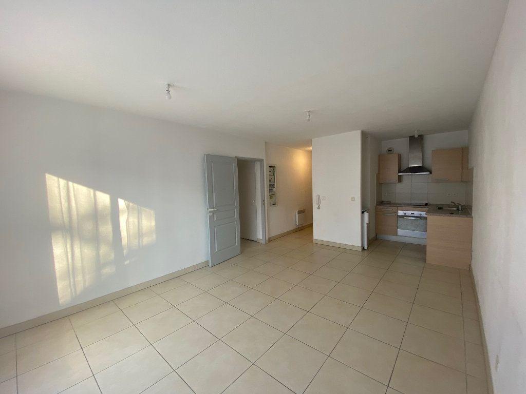 Appartement à louer 2 38m2 à Perpignan vignette-1