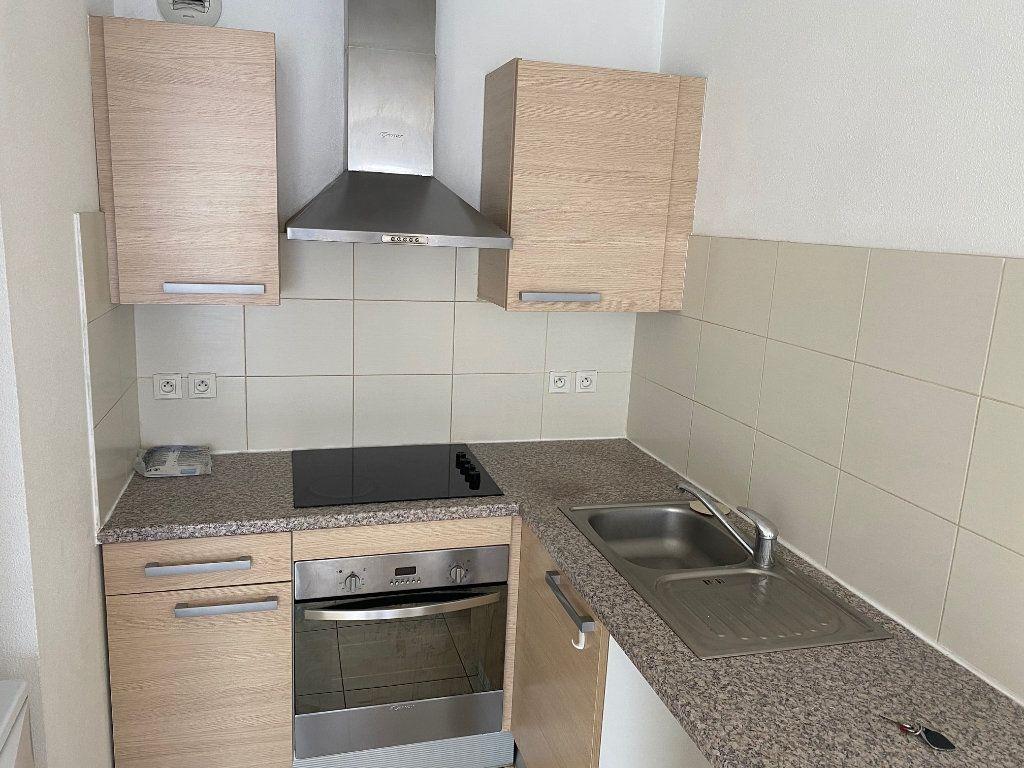 Appartement à louer 2 38m2 à Perpignan vignette-2