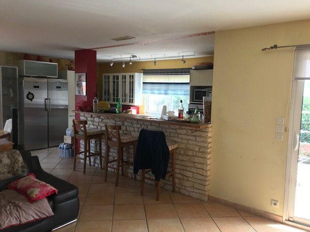 Maison à vendre 6 160m2 à Perpignan vignette-3