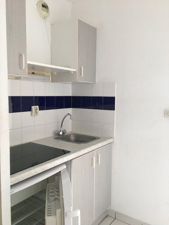 Appartement à louer 1 25.25m2 à Perpignan vignette-2
