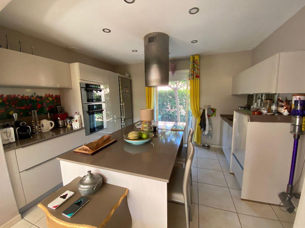 Maison à vendre 5 120m2 à Perpignan vignette-3