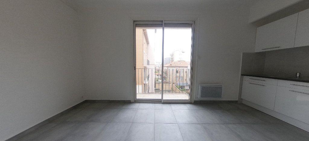 Appartement à louer 1 28m2 à Perpignan vignette-2