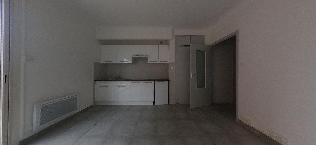 Appartement à louer 1 28m2 à Perpignan vignette-3