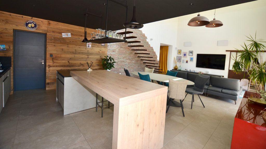 Maison à vendre 5 165m2 à Perpignan vignette-2