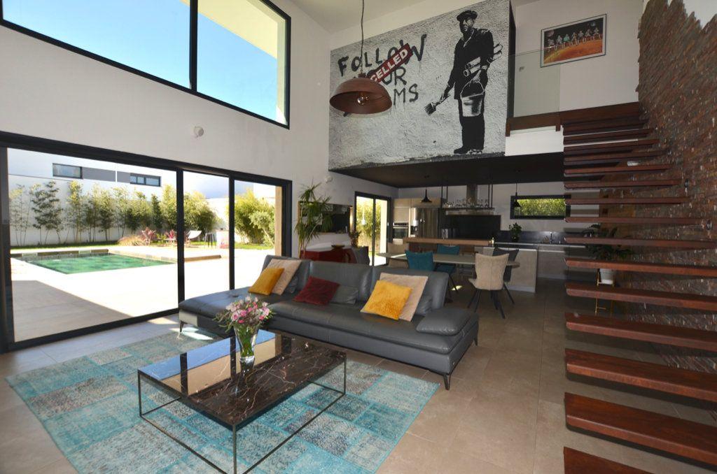 Maison à vendre 5 165m2 à Perpignan vignette-4