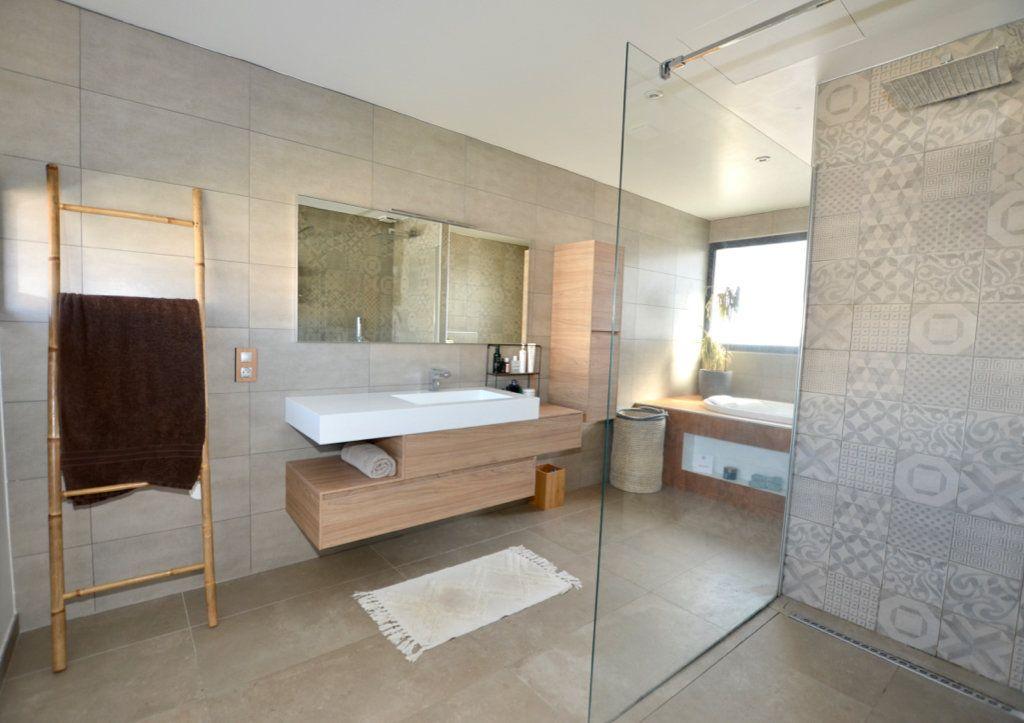 Maison à vendre 5 165m2 à Perpignan vignette-8