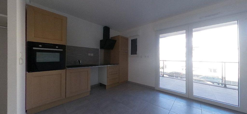 Appartement à louer 3 68m2 à Perpignan vignette-1