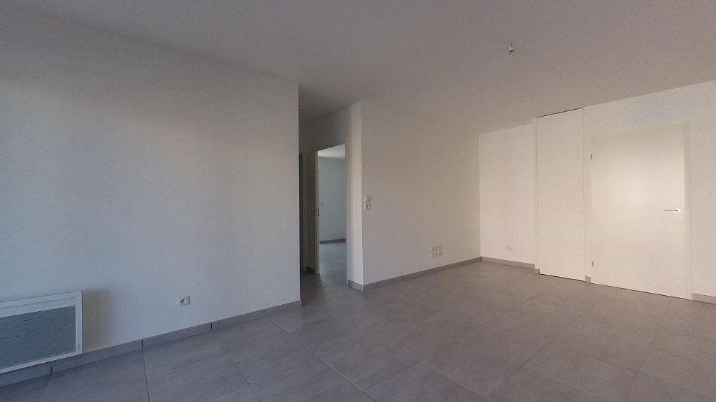 Appartement à louer 3 68m2 à Perpignan vignette-4