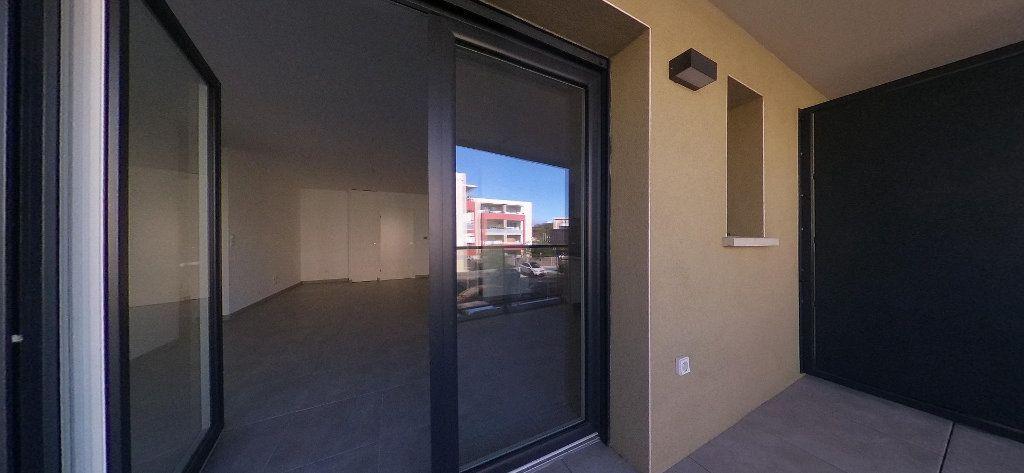 Appartement à louer 3 68m2 à Perpignan vignette-6