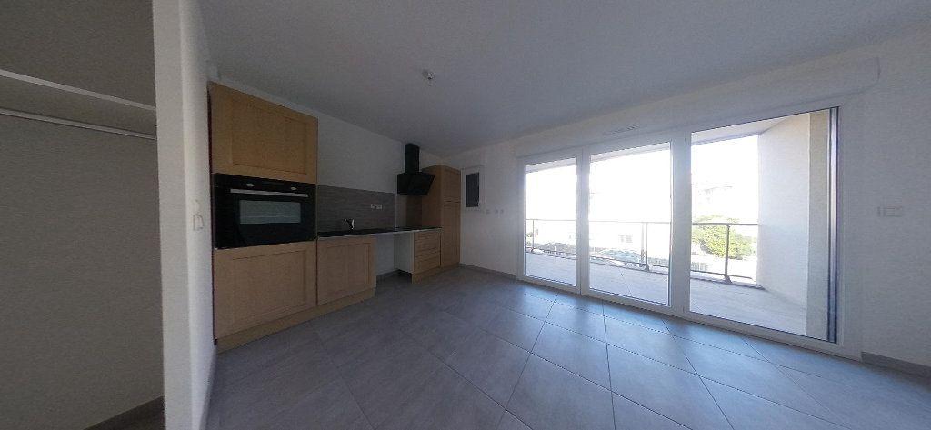 Appartement à louer 3 68m2 à Perpignan vignette-7