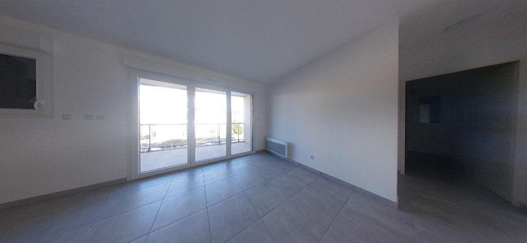 Appartement à louer 3 68m2 à Perpignan vignette-8