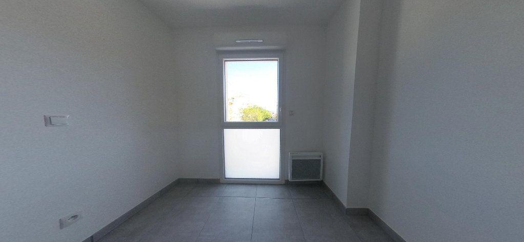 Appartement à louer 3 68m2 à Perpignan vignette-9