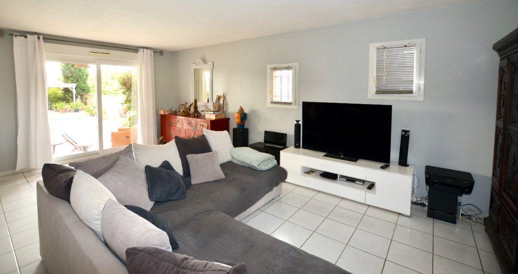 Maison à vendre 5 120m2 à Sainte-Marie vignette-4