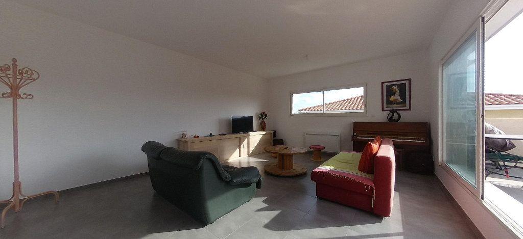 Appartement à louer 4 98m2 à Cabestany vignette-5