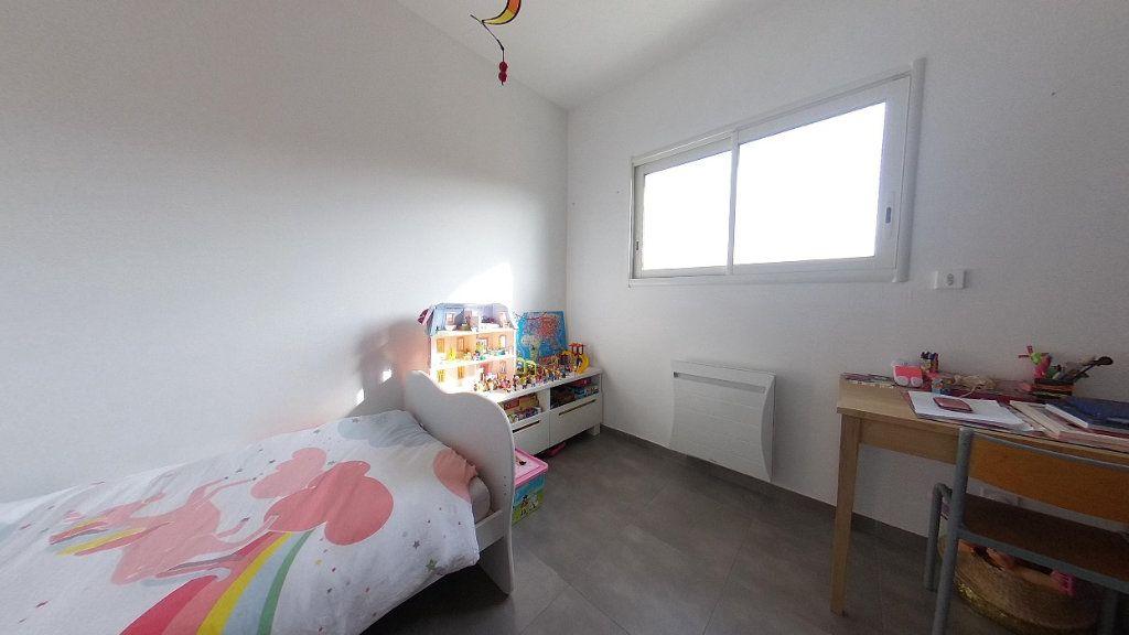 Appartement à louer 4 98m2 à Cabestany vignette-11