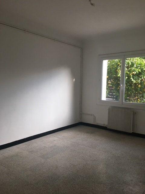 Appartement à louer 3 60m2 à Perpignan vignette-8