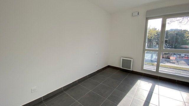 Appartement à louer 3 64.2m2 à Perpignan vignette-4