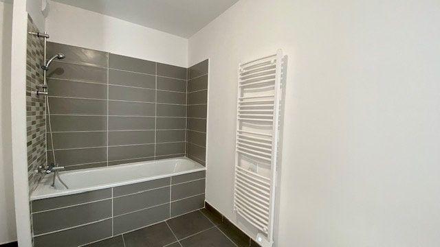 Appartement à louer 3 64.2m2 à Perpignan vignette-7