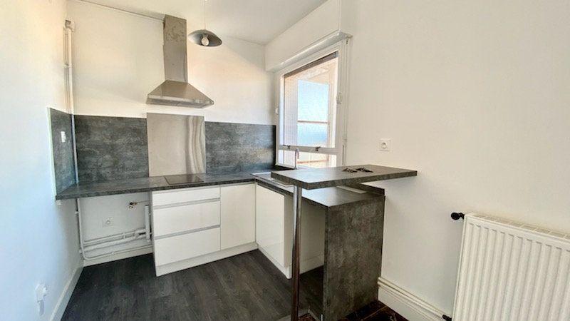 Appartement à louer 1 25m2 à Perpignan vignette-1