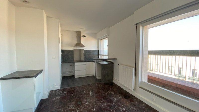 Appartement à louer 1 25m2 à Perpignan vignette-2