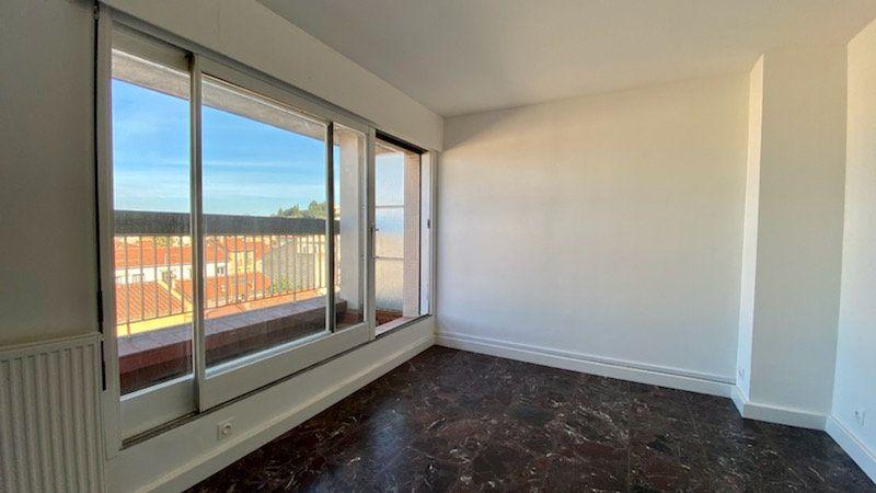 Appartement à louer 1 25m2 à Perpignan vignette-3