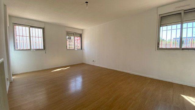 Appartement à louer 4 84m2 à Perpignan vignette-4