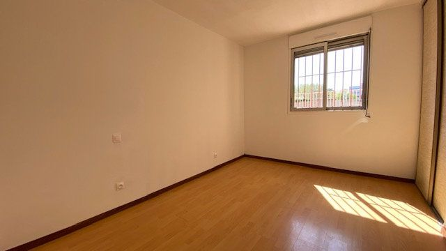 Appartement à louer 4 84m2 à Perpignan vignette-7