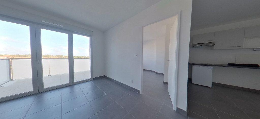 Appartement à louer 3 58.56m2 à Perpignan vignette-1