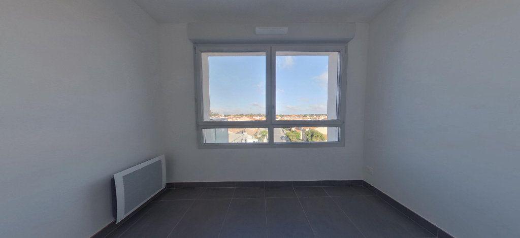 Appartement à louer 3 58.56m2 à Perpignan vignette-8