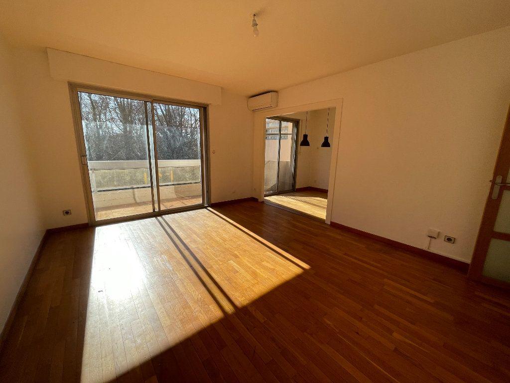 Appartement à vendre 3 70m2 à Perpignan vignette-2