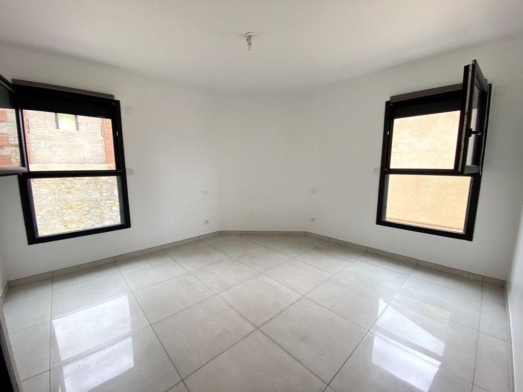 Maison à vendre 4 0m2 à Sainte-Marie vignette-3