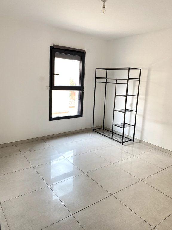 Maison à vendre 4 0m2 à Sainte-Marie vignette-4